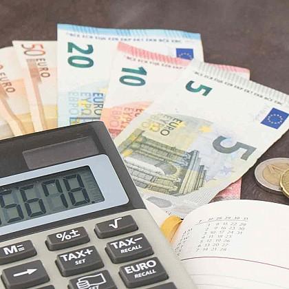 Μειώσεις από τη νέα φορολογική κλίμακα